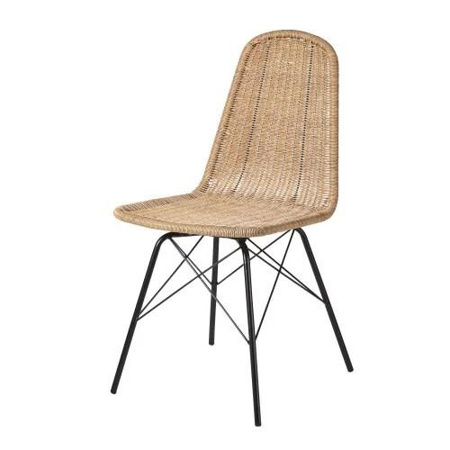 chaise de jardin en resine tressee imitation rotin et metal noir maisons du monde