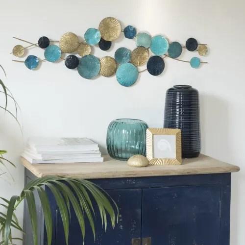 Decorazioni da parete e tavolino multicolore insieme a vasi e. Decorazione Da Parete In Metallo Blu E Dorato 92x30 Cm Keha Maisons Du Monde
