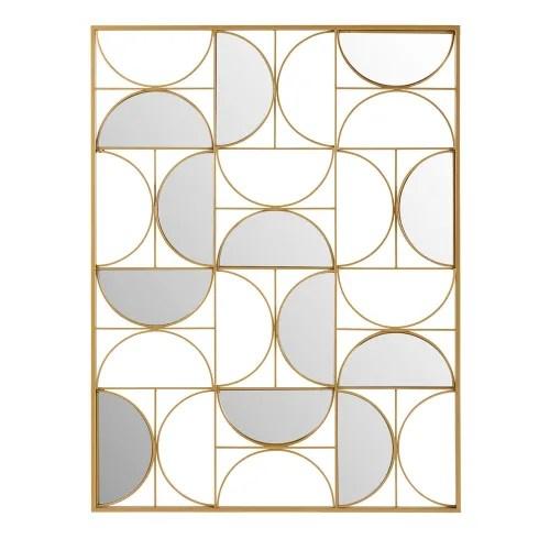 È composta interamente in legno e proprio per questo spero che duri nel tempo. Decorazione Da Parete Specchio In Metallo Dorata 90x120 Goldfinger Maisons Du Monde