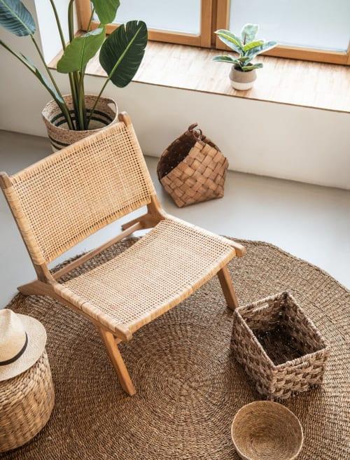 Sappiamo che ci sono momenti in cui, per mancanza di tempo o energia, hai bisogno di aiuto: Poltrona In Rattan Intrecciato Ticao Maisons Du Monde