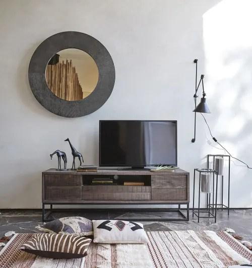Dai un'occhiata ai nostri mobili e oggetti decorativi e fai i pieno di. Solid Mango Wood 2 Door 1 Drawer Tv Unit Lusaka Maisons Du Monde