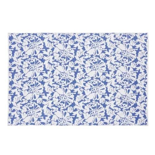 tapis d exterieur bleu imprime floral blanc 160x230 maisons du monde