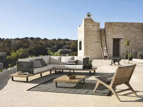 tapis d exterieur en polypropylene noir et beige 160x230 maisons du monde