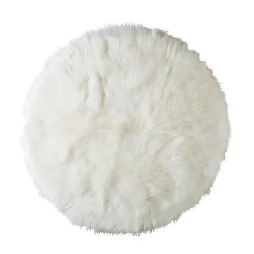 tapis rond en fausse fourrure blanche d 140cm maisons du monde