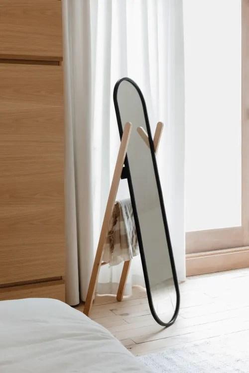hub miroir en pied a poser noir et bois naturel 42x157cm maisons du monde