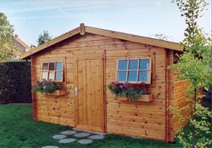 photo decoration abri de jardin en bois