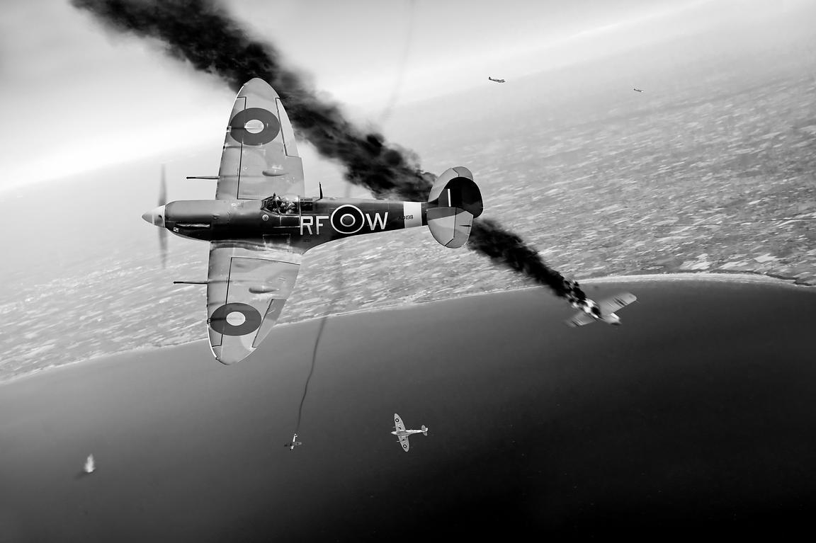 Gary Easons FLIGHT ARTWORKS Spitfires In Channel