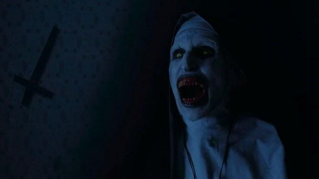 The replica of the mask of the demon Valak / Nun devil (Bonnie Aarons) in  the movie the conjuring 2 : The case for Enfield   Spotern