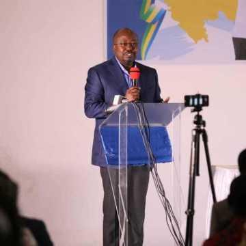 """Législatives: Bilie By Nzé prône """"une nouvelle alliance"""" dans le Canton Ntang Louli"""