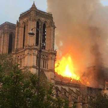Patrimoine : Notre Dame de Paris consumée par le feu !