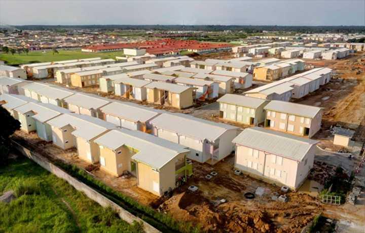 La SNI va remettre des titres fonciers à 1400 occupants illégaux de Mveng-Ayong