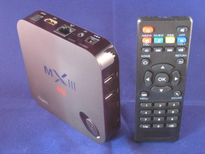 De MXIII-G Quad Core box met afstandsbediening