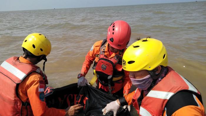 Seorang Remaja Hanyut di Sungai Denai Ditemukan Tewas di Laut