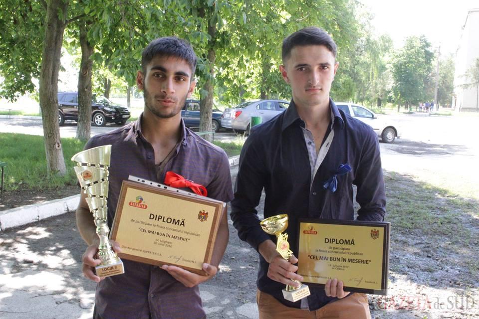 Cîștigătorii locului 3 la concursul Republican de meserii 2017 - Andrei Căldararu și Adrian Cravcenco de la Școala Profesională Cimișlia