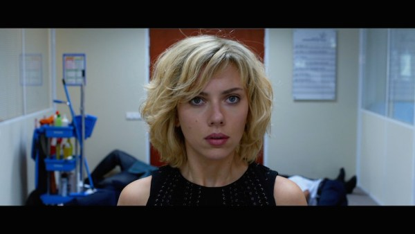 "Audiences TV : le film ""Lucy"" rafle tout sur son passage"