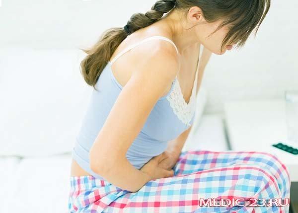 У беременной болит живот