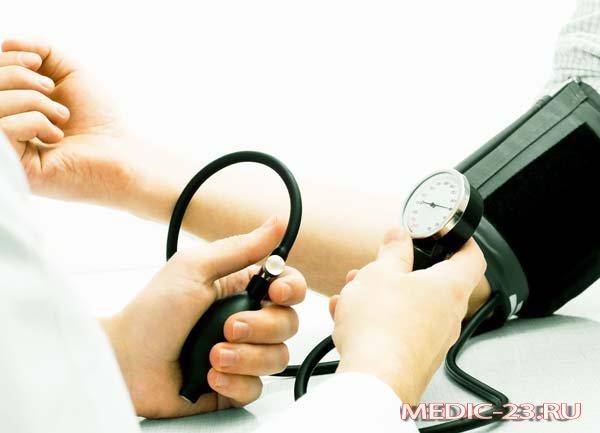 Измеряет давление после упражнений