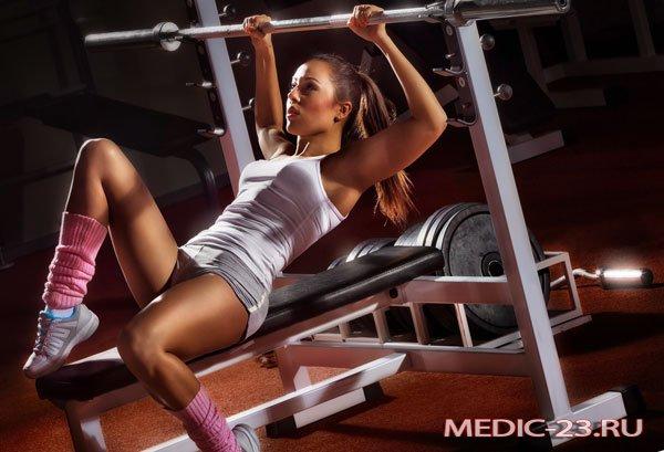 Упражнения на тренажерах