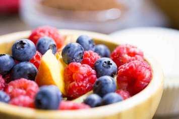 bowl-full-of-healthy-fruits-picjumbo-com1