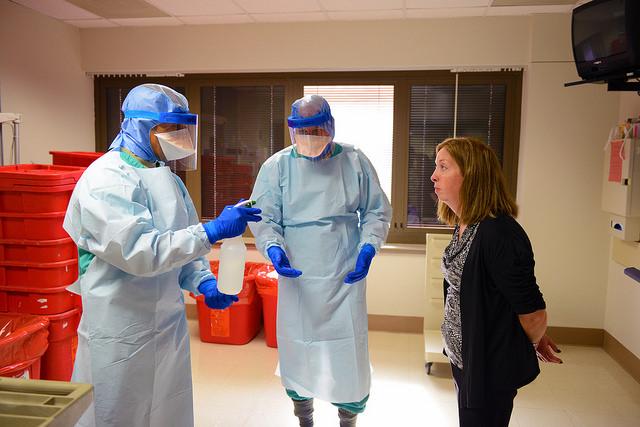 СМИ: В Сьерра-Леоне девушка скончалась от лихорадки Эбола ©Flickr/Army Medicine