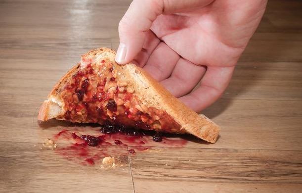 упавший бутерброд