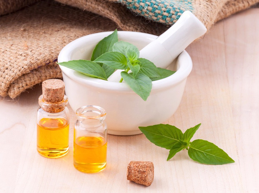 лечить аллергию зуд спины массажем