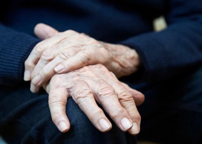 болезнь Паркинсона, гепатит В, гепатит С