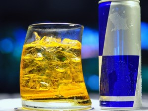 энергетические напитки, алкоголь, травмы