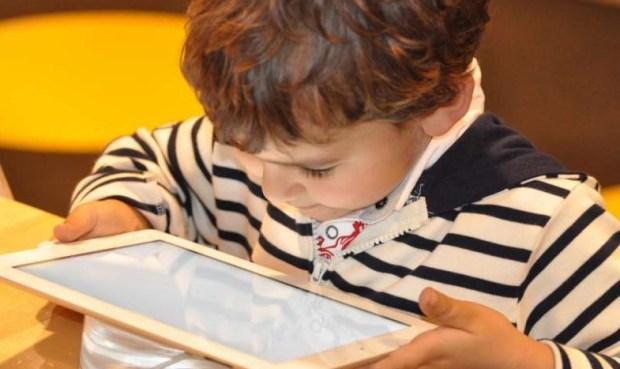 планшеты, электронные устройства