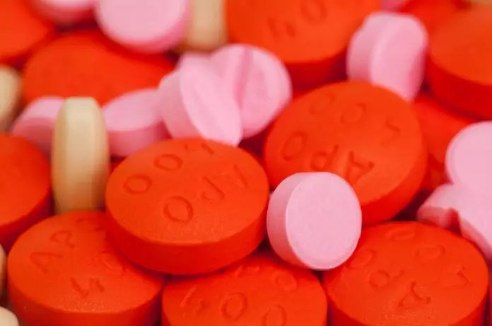 red-and-pink-pills