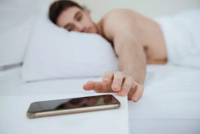 What are the effects of overnight smartphone use on your overall health?