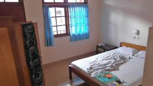 Ronta Bungalows - basic room in Kuta, Bali