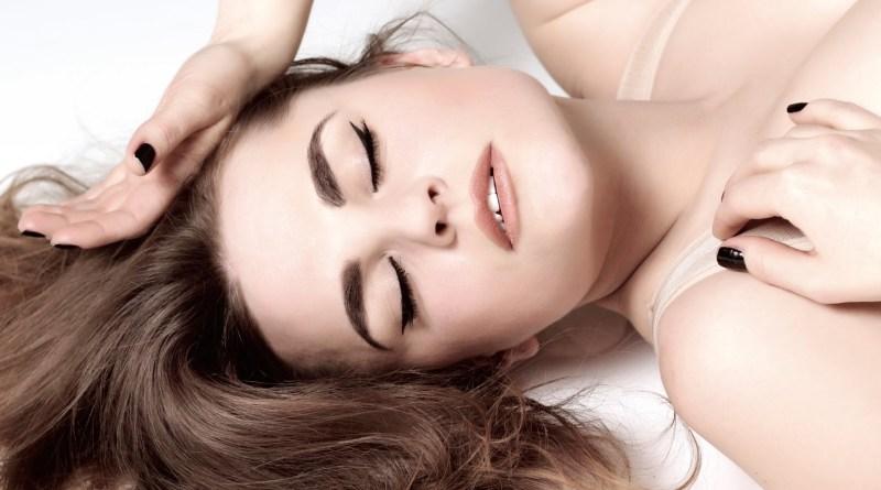 Los especialistas aclaran que solo hay un tipo de orgasmo en la mujer y hablar de otros es un error
