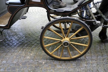 carriage-wheel