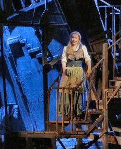 Georgia Jarman as Gilda