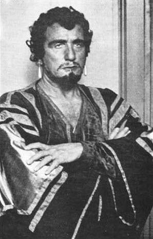 Luccioni as Otello