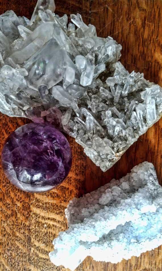 medicine-weavings-ayahuasca-integration-crystals