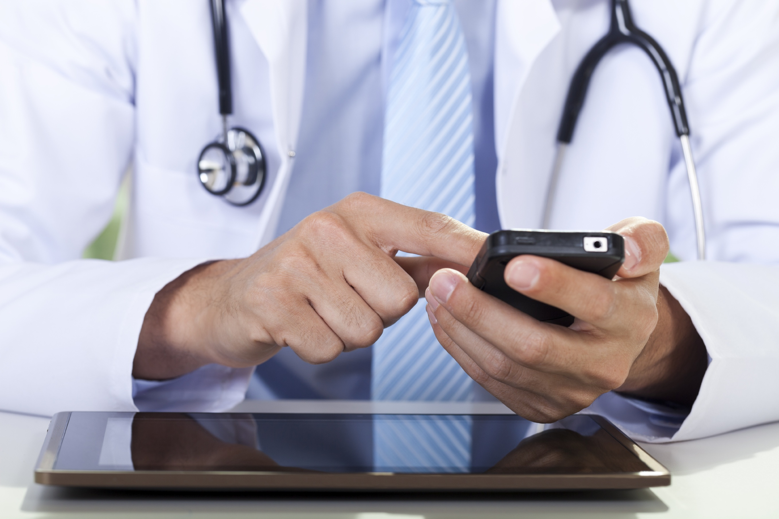 Doctors who skip social media risk alienating their patients: myth or reality?