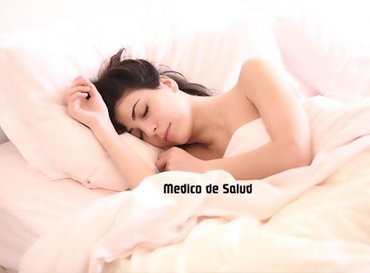 ¿Quieres una buena noche de sueño? Entonces nunca hagas estas cosas antes de ir a la cama