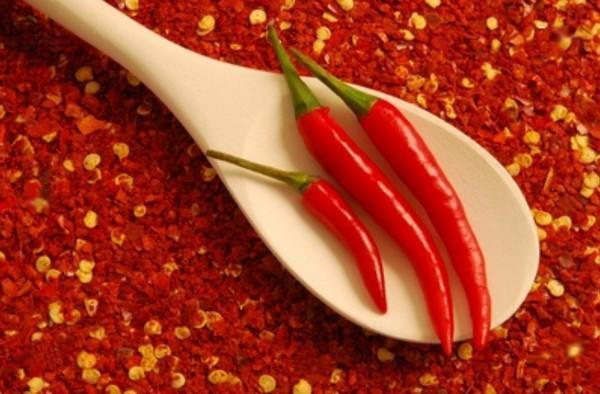 Cómo plantar pimientos picantes, de cayena, guindilla o chiles. Ficha completa