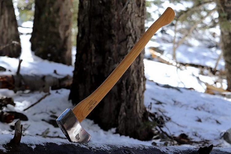 Las hachas para partir leña imprescindibles que debes tener a mano