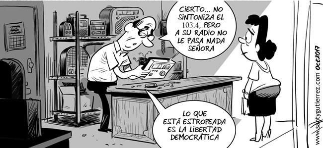 Viñeta de Santy Gutiérrez sobre la sanción a CUAC FM. www,santygutierrez.com