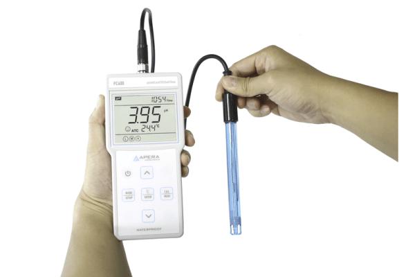 Medidor portátil de pH / conductividad / TDS PC400