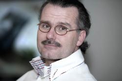 Lucien Engelen: 'Bekijk de gemiddelde website van een ziekenhuis en pak er een doos zakdoeken bij. Het is een drama wat je vindt.' Beeld: Mirella Boot Fotografie