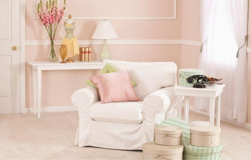 relaxing pink room with comfy chair