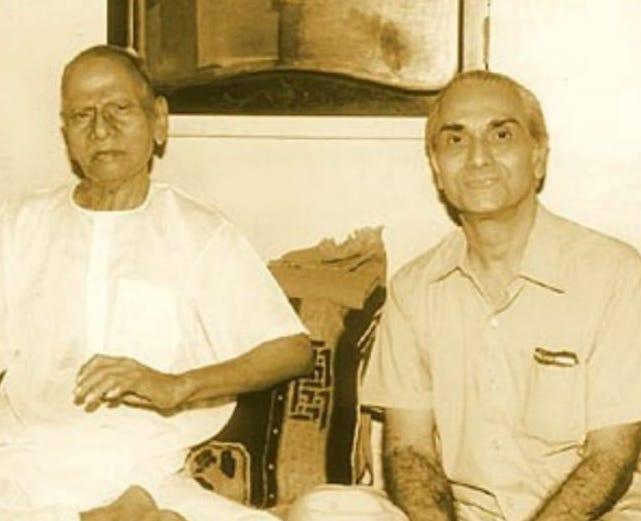 le jeune canadien Ramesh Balsekar et Nisargadatta Maharaj