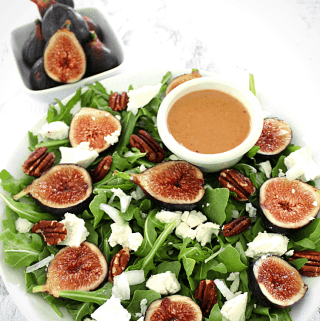 Figs, Arugula, Goat Cheese and Pecans Salad with Figs/Balsamic Dressing
