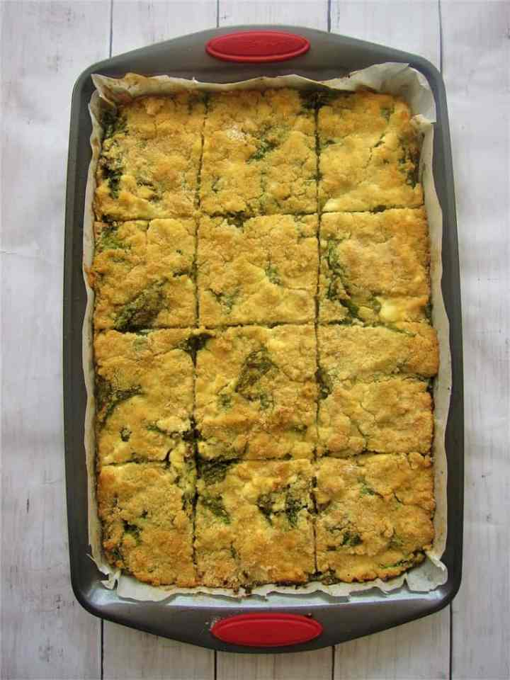 Albanian recipe for Shapkat, a dish from city of Gjirokaster. This casserole is a corn pie filled with spinach and feta cheese.