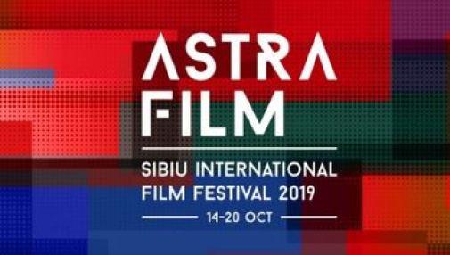 Logo de l'Astra Film Festival 2019 Gagnant du meilleur documentaire, Teach.