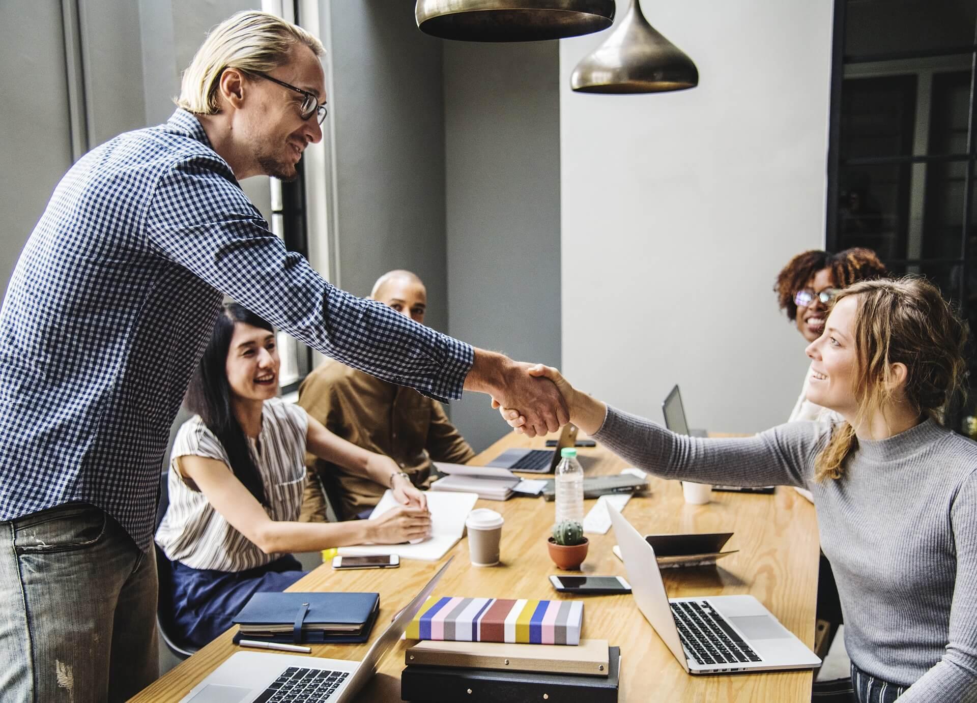 Veräußerung und Übertragung von Geschäftsanteilen an eine MVZ-GmbH